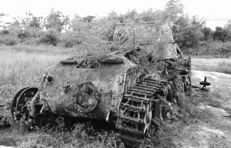 壊れた戦車